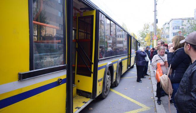 Foto: Restricţii de circulaţie  pe liniile RATC 44 şi 51,  de 1 Decembrie