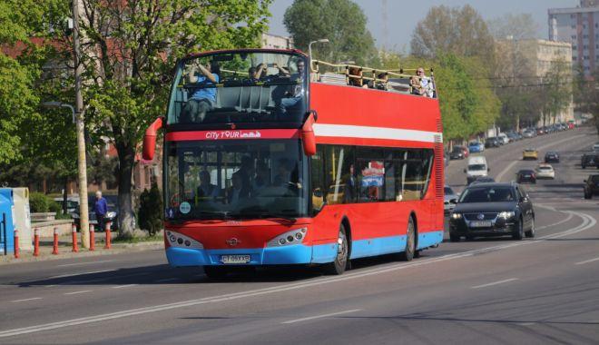 Foto: Autobuzele etajate, pe trasee în minivacanţa de Paște şi 1 Mai