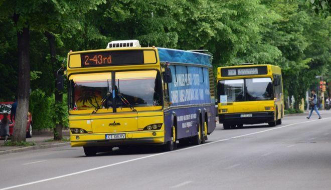 """Foto: Autobuze până la 2 dimineaţa, de """"Noaptea Muzeelor"""""""