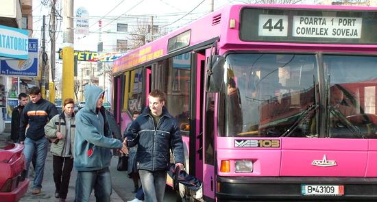 Foto: Aflaţi aici cum circulă autobuzele RATC de Crăciun şi de Revelion