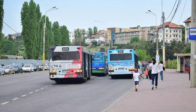 Cum circulă autobuzele RATC în minivacanța de Sfânta Maria - autobuzeratcstatiepoarta1-1565656662.jpg