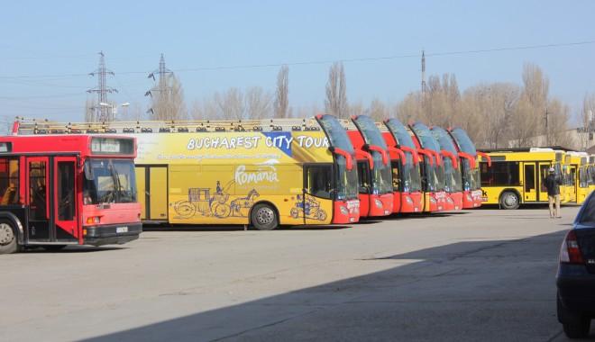 Foto: Autobuzele etajate circulă la fiecare jumătate de oră