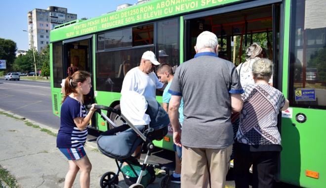 Foto: Transport în comun gratuit pentru toţi vârstnicii cu pensii de până la 1.450 de lei