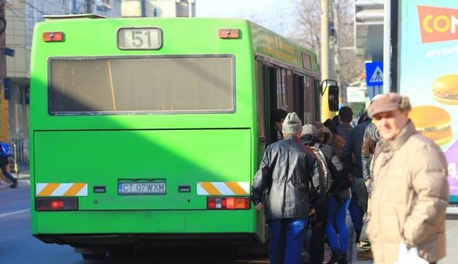 Foto: Anunţ de la RATC. Autobuzele către centrele comerciale au program prelungit