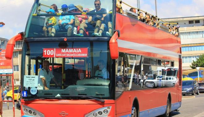 Foto: Invitaţie la plimbare gratuită cu autobuzul etajat
