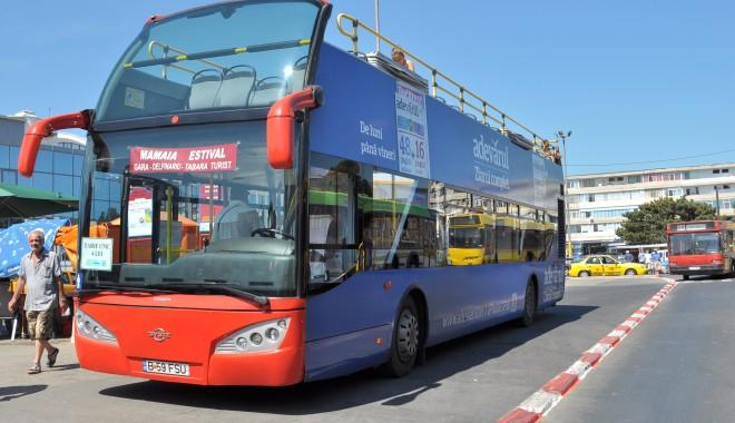 Foto: RATC. Plimbare gratuită cu autobuzul etajat, prin staţiunea Mamaia