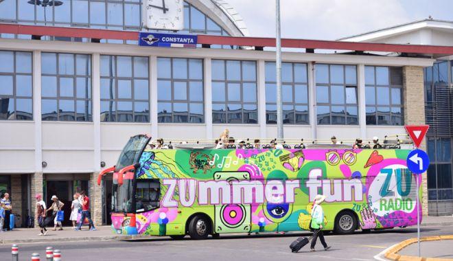 RATC le oferă turiştilor  un ghid cu o sută  de obiective turistice  de vizitat - autobuzsupraetajatgara1-1531318194.jpg