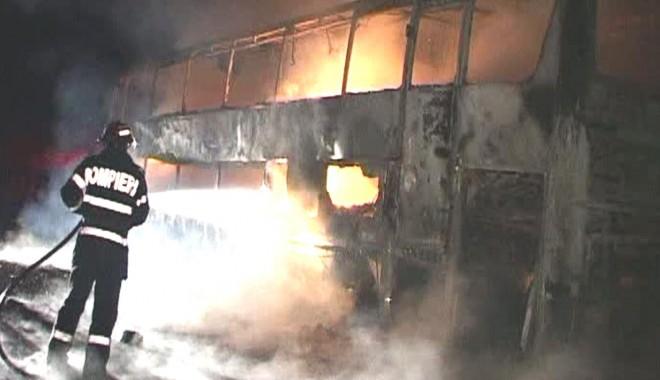 Foto: Un autocar cu turişti români a luat foc Bulgaria