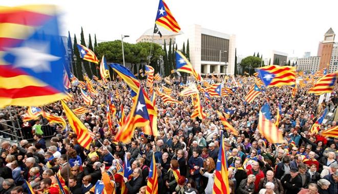 Foto: Autonomia Cataloniei  ar putea fi suspendată de guvernul spaniol
