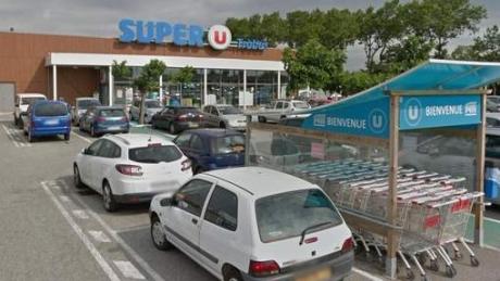 Foto: UPDATE - Luare de ostatici în FRANŢA, într-un supermarket. Cel puţin două persoane au murit în atac