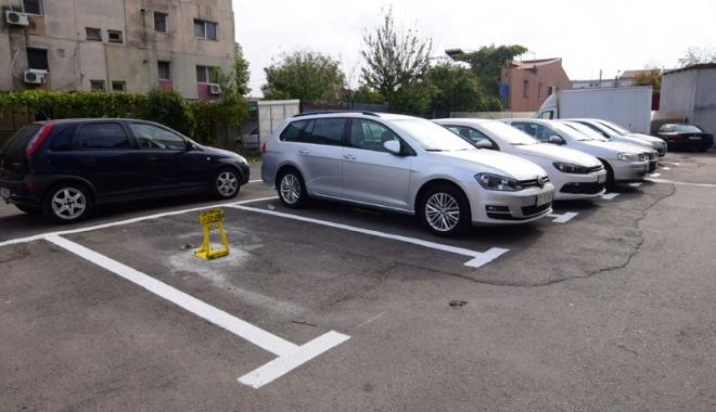 Foto: Autorizaţia pentru locul de parcare rezervat, reînnoită automat