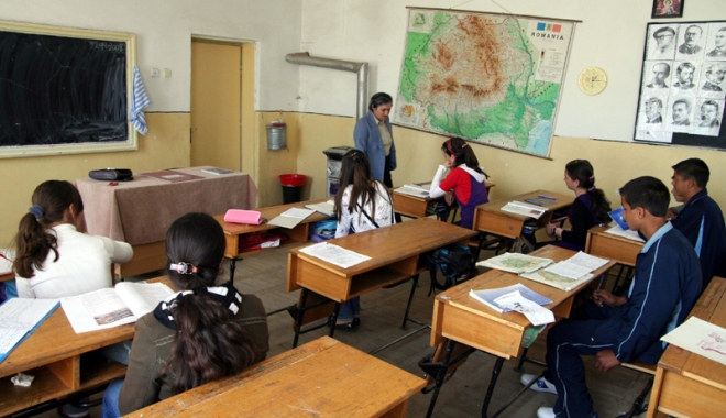 Clopoțelul ar putea să nu mai sune în septembrie. Școli și grădinițe din Constanța, în pericol să nu-și mai deschidă porțile - autorizatiiscoli1-1503504875.jpg
