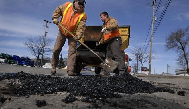 Foto: Autostrada Soarelui şi mai multe drumuri din Constanţa intră în reparaţii