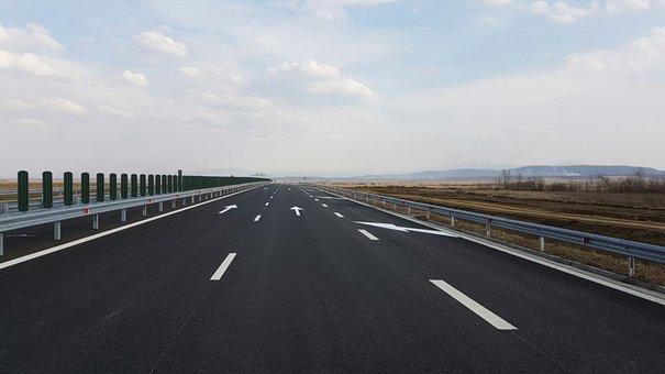 Foto: CNAIR: Circulația de weekend va fi închisă pe trei porțiuni de drumuri între 1 iulie și 31 august