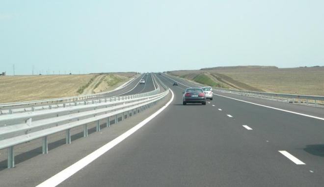 Foto: Şoferi, atenţie! Gabarit depăşit pe Autostrada Soarelui