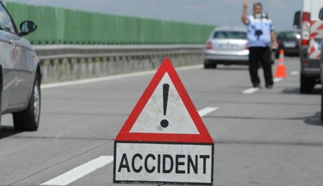 Foto: Accident în lanţ pe Autostrada Soarelui: mai multe maşini s-au ciocnit