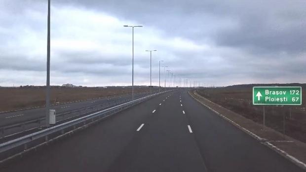 Foto: Ministrul Transporturilor şi directorul general CNAIR: 180 de kilometri de autostradă, daţi în trafic până la sfârşitul anului