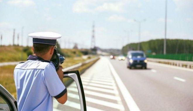Foto: Viteze de peste 200 km/h pe Autostrada Soarelui. Radarul stă la pândă!