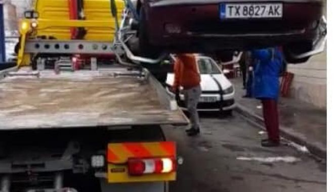 Foto: Continuă acţiunea de ridicare a maşinilor abandonate în Constanţa