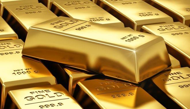 Foto: Aurul scade la un minim istoric! Iată la cât este cotat un gram