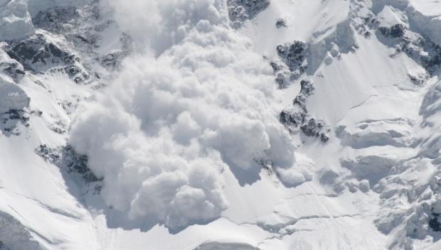 Foto: Pericol de avalanșă în Ceahlău, după o cădere masivă de zăpadă. Ce spun salvamontiștii