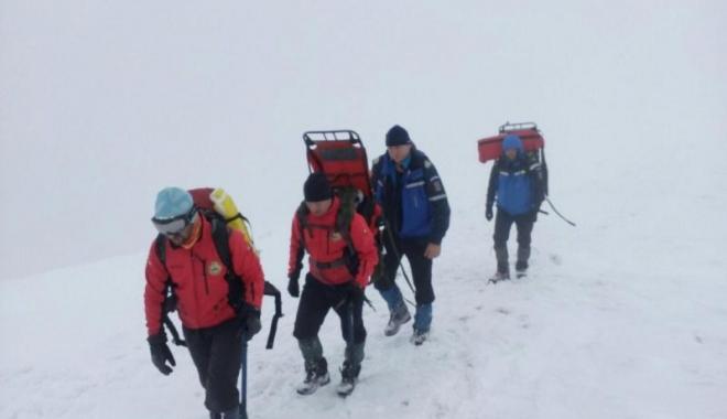 Foto: Arafat: Turistul surprins de avalanșă a fost găsit. Nu are semne vitale