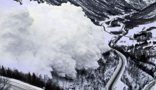Foto: VIDEO. Avalanșă impresionantă, filmată în Alpii elvețieni