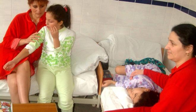 """Foto: Avalanşă de boli,  la Constanţa. """"Preconizăm  că situaţia  se va înrăutăţi!"""""""