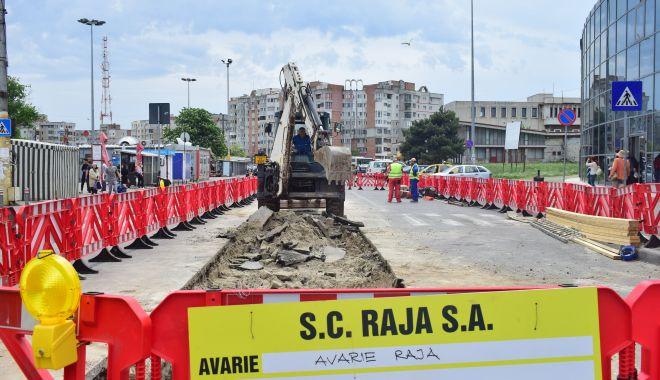 Foto: AVARIE RAJA. Cartierul Km 4 - 5 din Constanța a rămas fără apă rece