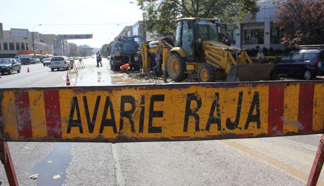 Atenție, constănțeni! Trafic restricționat pe strada Farului. Se lucrează la o conductă de apă - avarieraja12-1583825861.jpg