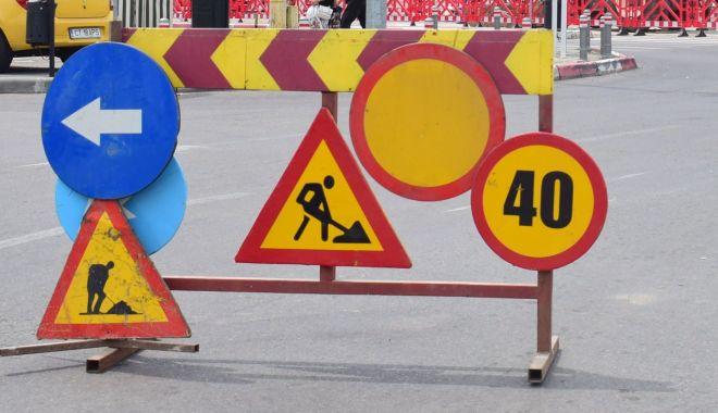 Foto: Atenție, constănțeni! Trafic blocat pe bulevardul Aurel Vlaicu. Se lucrează la o conductă de apă