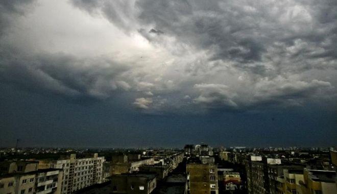 Foto: ANM: Informare meteo de instabilitate atmosferică la nivelul întregii ţării!