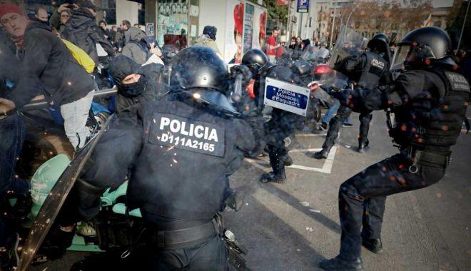 Foto: Avertisment pentru protestatarii catalani violenți: riscă ani grei de închisoare!