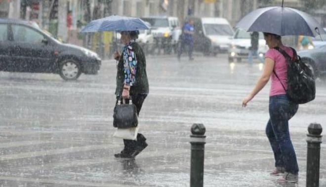 Foto: PROGNOZA METEO în următoarele două săptămâni. Ploi, furtuni şi temperaturi de 30 de grade în mare parte din ţară