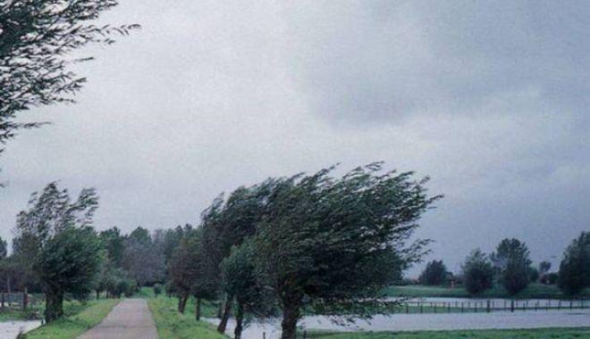 Foto: CONSTANŢA, SUB AVERTIZARE DE TIP COD GALBEN. Ce spun meteorologii
