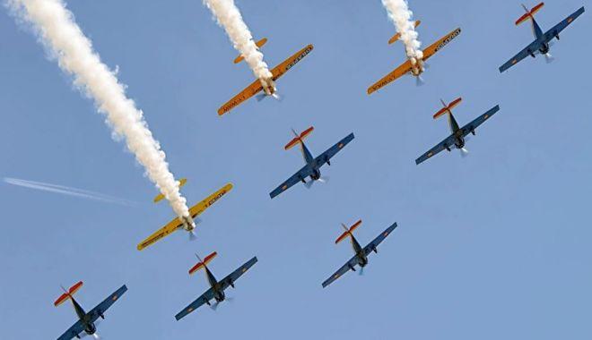 Foto: Cum este sărbătorită Ziua Aviației Române și a Forțelor Aeriene