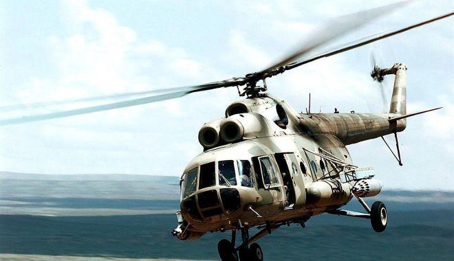 Elicopter prăbuşit! Mecanicul de bord, erou într-un peisaj de coşmar