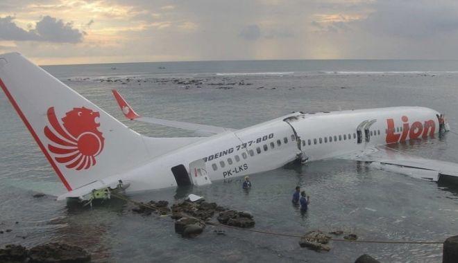 Informaţie de ultim moment despre avionul prăbuşit în Indonezia - avion-1541420914.jpg