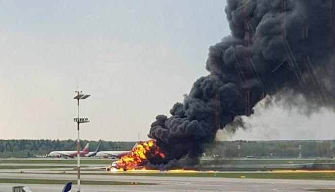 """Foto: VIDEO / Noi imagini cu tragedia aviatică din Rusia. Piloții, acuzați că """"nu știau să aterizeze fără autopilot"""""""