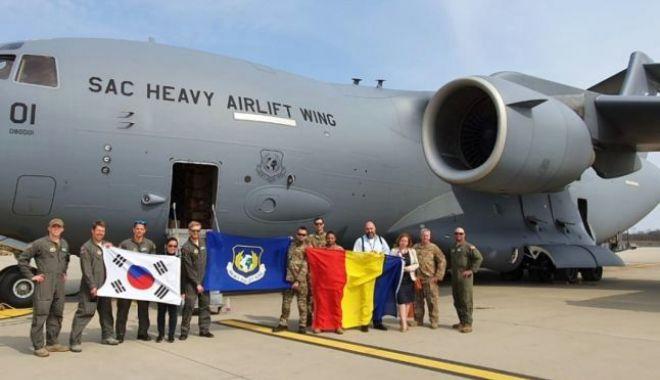Foto: Al treilea transport aerian cu echipamente medicale din Coreea de Sud