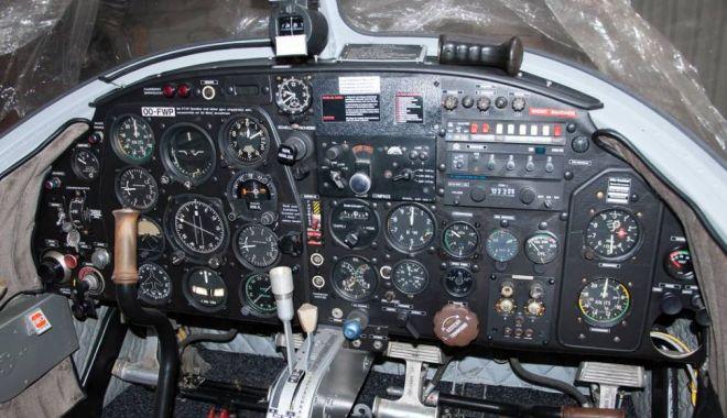 A servit în aviaţia militară germană, dar zace în hangar. Ar mai avea şanse de decolare? / GALERIE FOT0 - avion2-1540371879.jpg