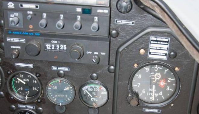 A servit în aviaţia militară germană, dar zace în hangar. Ar mai avea şanse de decolare? / GALERIE FOT0 - avion6-1540371919.jpg