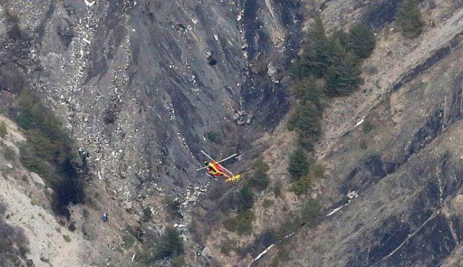 Foto: Tragedie aviatică! Au fost găsiți piloții aeronavei prăbușite în Franța