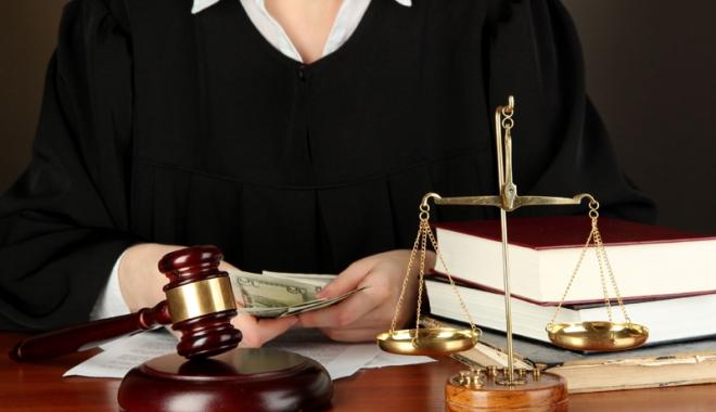 Foto: Avocat constănţean, sub control judiciar, pentru trafic de influenţă