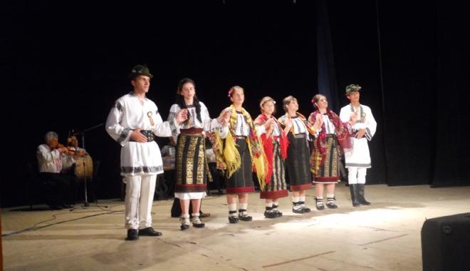 Foto: Festival folcloric de tradiţie, la Mangalia