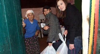Foto: Ajutoare de la tinerii tătari din Valu lui Traian pentru conaţionalii lor