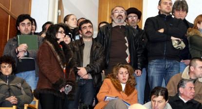 Foto: Prefectul se ia, din nou, la trântă cu Nicuşor Constantinescu