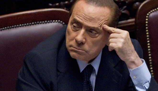 Foto: Berlusconi va demisiona în această seară, după aprobarea măsurilor în Camera inferioară