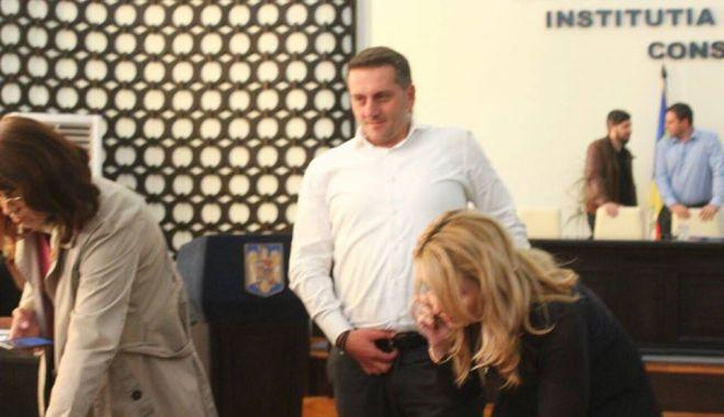 Foto: Liberalii cer demisia viceprimarului Constanţei, Dumitru Babu