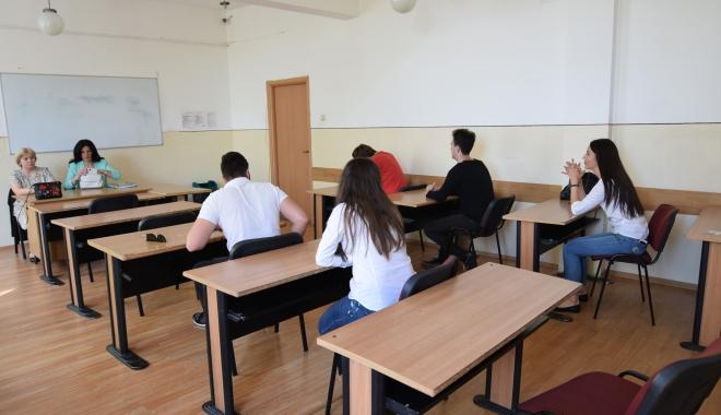 GALERIE FOTO. BACALAUREAT 2017. Astăzi este proba orală la limba română - bac2-1496730829.jpg